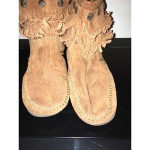 Women's Minnetonka Fringe boots